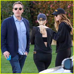 Ben Affleck Strolls Right Past Katherine Schwarzenegger on Monday Morning!