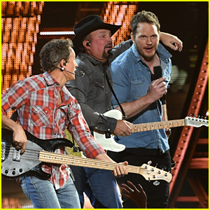 Chris Pratt Joins Garth Brooks