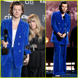 Harry Styles Performs With Stevie Nicks at Rock & Roll Hall Of Fame Induction Ceremony - Watch Now!