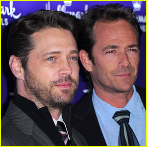 Jason Priestley Pays Tribute to '90210' Co-Star Luke Perry