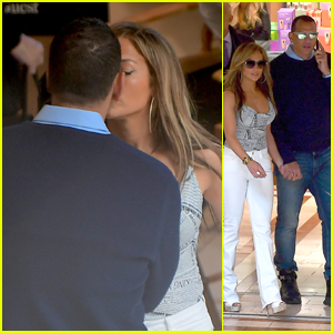 Jennifer Lopez & Alex Rodriguez Share a Kiss on the Set of 'Hustlers'