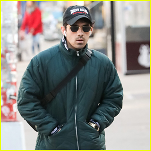 Joe Jonas Bundles Up for a Shopping Trip in New York City