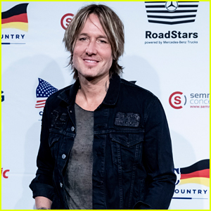 Keith Urban Headlines Country To Country Festival in Germany!