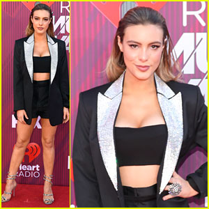 Lele Pons Shows Off Her Legs at iHeartRadio Music Awards 2019