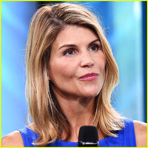 Lori Loughlin Surrenders to FBI Amid College Admissions Scandal