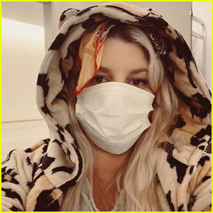 Pregnant Jessica Simpson Was Hospitalized for Bronchitis
