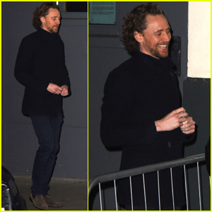 Tom Hiddleston Meets With Fans After 'Betrayal' Performance in London!