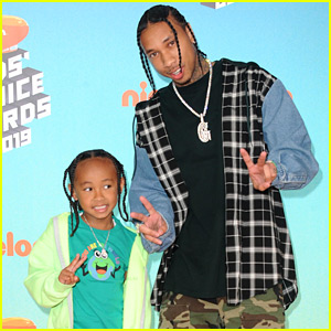 Tyga Brings His Son King Cairo to Kids' Choice Awards 2019!