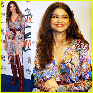 f297346d4f Zendaya Appropriately Starts Her Day in Gold to Celebrate Golden ...