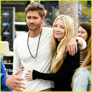 Chad Michael Murray's Wife Sarah Roemer Joins Him for 'Extra' Interview