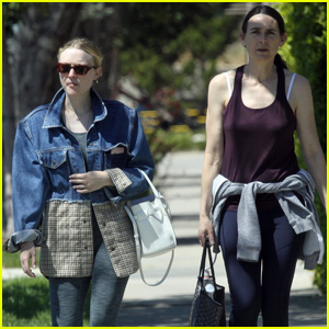 Dakota Fanning Goes House Hunting With Her Mom in LA