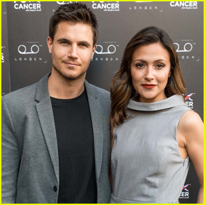 Italia Ricci & Husband Robbie Amell Expecting First Child!