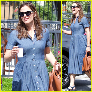 Jennifer Garner Heads to a Sunday Church Service in a Denim Dress