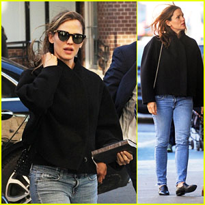 Jennifer Garner Heads Out for Some Shopping With a Friend in New York City