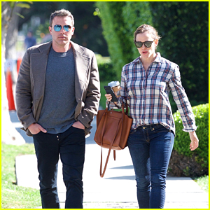 Jennifer Garner & Ben Affleck Meet Up for an Early Morning Stroll