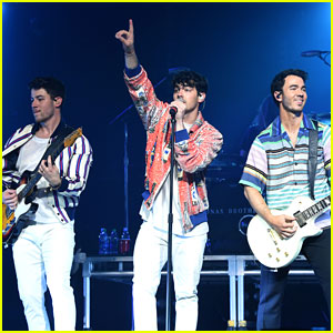 Jonas Brothers Perform at March Madness Music Series 2019