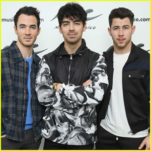 Jonas Brothers Join 'Saturday Night Live' End of Season Lineup