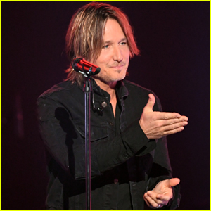 Keith Urban Debuts 'Burden' Cover at ACM Awards 2019 - Stream & Download!