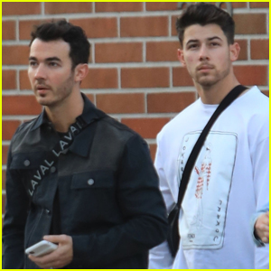 Kevin & Nick Jonas Meet Up to Do Some Shopping