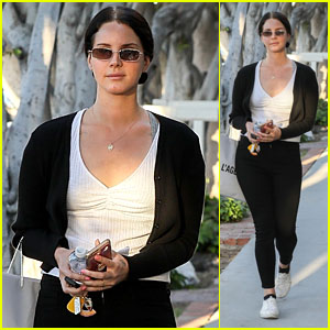 Lana Del Rey Indulges in Retail Therapy in West Hollywood