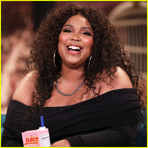 Lizzo Recalls Time She 'Slid Into Drake's DMs': 'It Was Bold!'