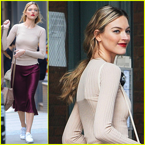 Martha Hunt Arrives at Taylor Swift's Place Ahead of Time 100 Gala