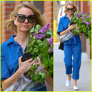 Naomi Watts Shops for Flowers in NYC