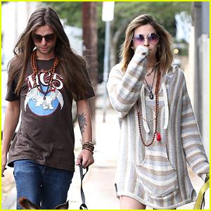 Paris Jackson & Boyfriend Gabriel Glenn Go Dog Walking in LA!