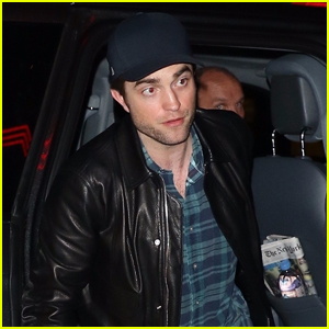Robert Pattinson Meets Up with Friends at the Movies