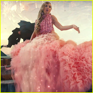 Taylor Swift's 7 'Me!' Music Video Outfits - See Them All Here!