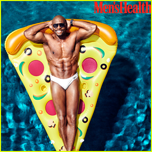 Terry Crews Shows His Ripped Shirtless Body in a Speedo!