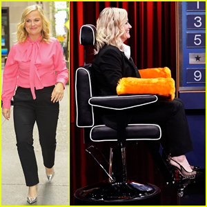 Amy Poehler & Jimmy Fallon Play Hilarious Round Of 'Shouting Charades' - Watch Here!
