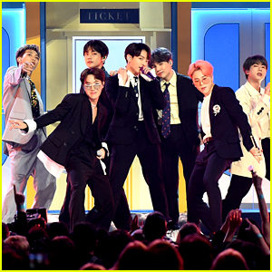 BTS & Halsey Perform 'Boy With Luv' at Billboard Music Awards 2019!