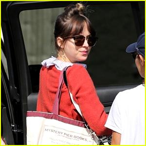 Dakota Johnson Arrives for Work on Set!