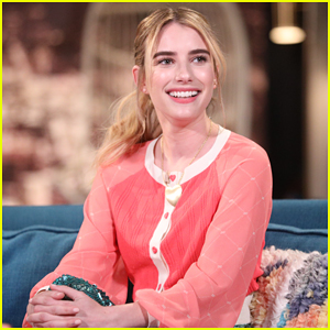 Emma Roberts on Looking Like Her Aunt Julia Roberts: 'A Lot of Teeth'