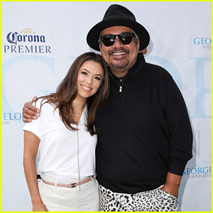 Eva Longoria Supports Pal George Lopez at Golf Tournament