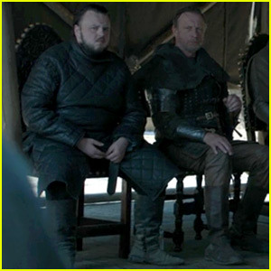 Two Water Bottles Spotted in 'Game of Thrones' Finale Scene