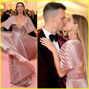 Gisele Bundchen & Tom Brady Share Sweet Kiss on Met Gala 2019 Red Carpet!