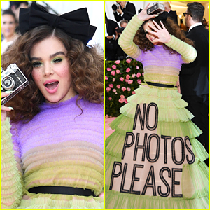 Hailee Steinfeld Wants 'No Photos Please' at the Met Gala 2019
