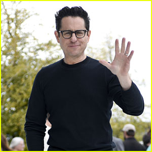 J.J. Abrams Talks Directing 'Star Wars: The Rise of Skywalker': 'F--k It, I'm Going to Do the Thing That Feels Right'