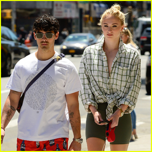 Joe Jonas & Sophie Turner Take Their Dogs for a Walk in NYC