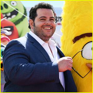 Josh Gad Kicks Off Cannes Film Festival with 'Angry Birds Movie 2' Photo Call!