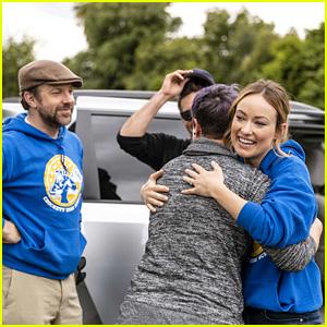 Olivia Wilde & Husband Jason Sudeikis Surprise Unsuspecting Passengers in Undercover Lyft - Watch!