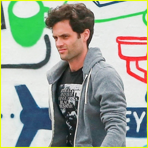 Penn Badgley Meets Up with Friends for Lunch