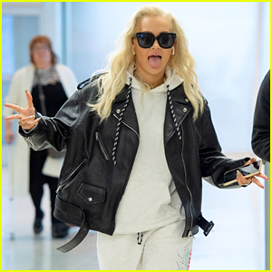 Rita Ora Gets Silly Ahead of Flight Out of JFK Airport!