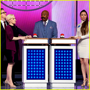'SNL' Cast Performs Live 'Family Feud' Sketch at NBC Upfronts!