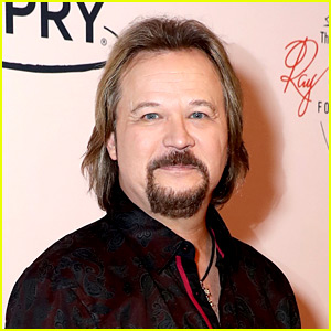 Country Singer Travis Tritt's Tour Bus Involved in Fatal Accident