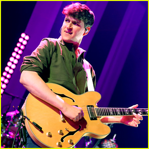 Vampire Weekend Debuts at No. 1 on Billboard 200 With 'Father of the Bride'!