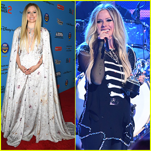 Avril Lavigne Accepts Special Award at ARDYs 2019