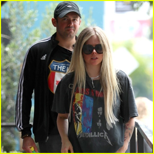 Avril Lavigne & Boyfriend Phillip Sarofim Couple Up For Shopping Trip